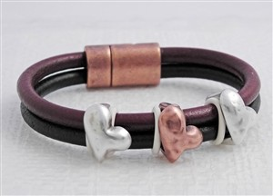 Queen of Hearts Euro Round Leather Bracelet