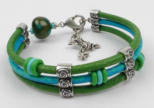 Leaping Lily Pads 2mm Round Leather Bracelet