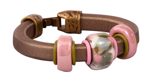 Roses on Bronze Regaliz Leather Bracelet