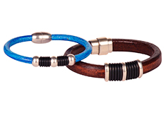 Chic and Sleek Regaliz Leather Bracelets