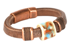 Dusty Trails Embossed Regaliz Leather Bracelet